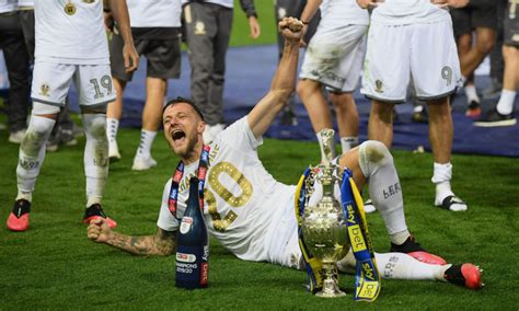 Leeds United fans will love this 5 am Liam Cooper Twitter ...