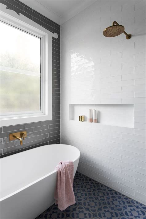 Badezimmer Fliesen Klassisch by 25 Best Ideas About Gray Subway Tiles On Gray