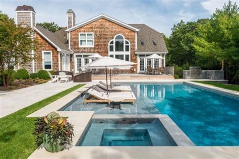 piscina residencial moderna decorando casas