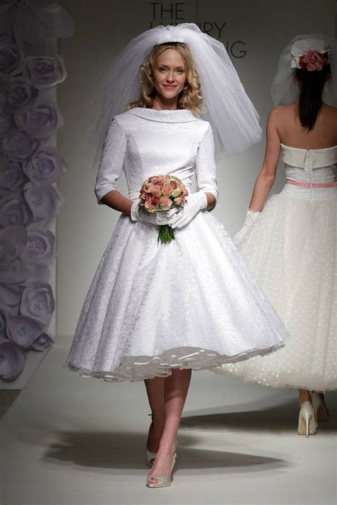 Bridal Style: 50s Style Wedding Dresses Boho Weddings