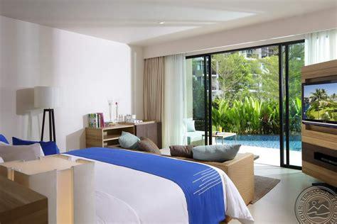 rezerva  holiday inn resort phuket mai khao beach