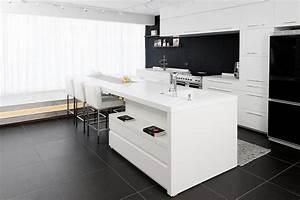 amenagement de l interieur minimaliste 50 conceptions With cuisine blanche sol noir