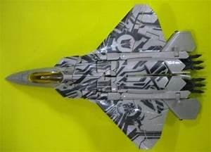 New Images of Revenge of the Fallen Starscream Jet Mode ...
