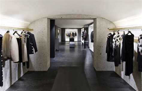 givenchy store  avenue montaigne paris france