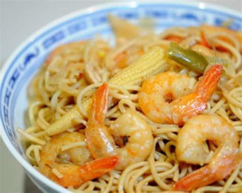 pate chinoise aux crevettes recette nouilles chinoises saut 233 es aux crevettes d 233 couvrez cette recette de cuisine sur recette