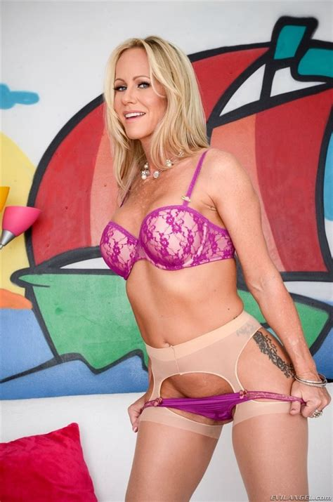 Simone Sonay Sex Image