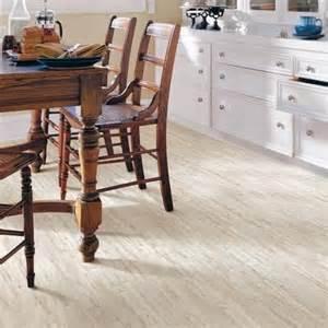 pergo xp coastal pine laminate flooring 13 1 sq ft lf000343 home depot canada