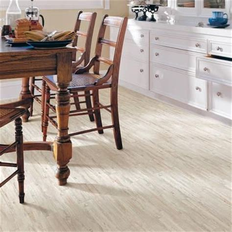 Pergo Xp Flooring Coastal Pine by Pergo Xp Coastal Pine Laminate Flooring 13 1 Sq Ft
