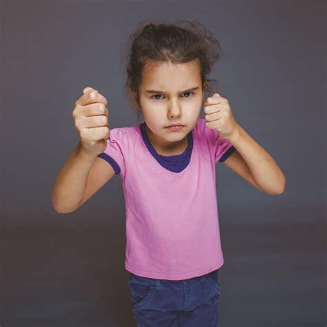 Hamil Takut Mandi 4 Kesalahan Orang Tua Ini Bentuk Anak Jadi Pelaku Bullying