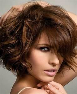 Coupe Carré Frisé : quelle coupe de cheveux asym trique pour sublimer votre ~ Melissatoandfro.com Idées de Décoration