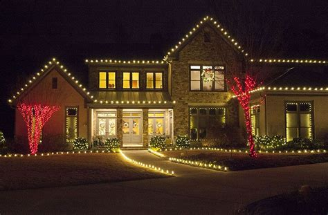 outdoor christmas lights ideas   roof decorations