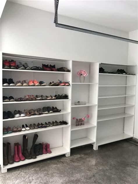 Shoe Rack Garage by Best 25 Garage Shoe Storage Ideas On Garage