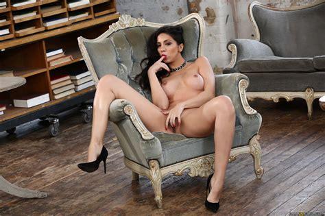 Hot Latin Brunette Got Stuffed Very Hard Photos Julia De