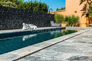 margelle de piscine en pierre naturelle travertin gris With piscine en pierre naturelle