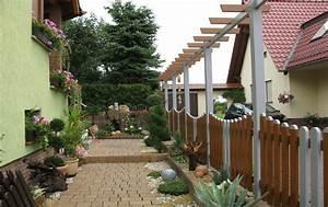 gartenzaun mit pergola in grau braun With französischer balkon mit gartenzaun kunststoff grau