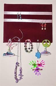 Support à Bijoux : toile support bijoux chocolat et scoubidou ~ Teatrodelosmanantiales.com Idées de Décoration