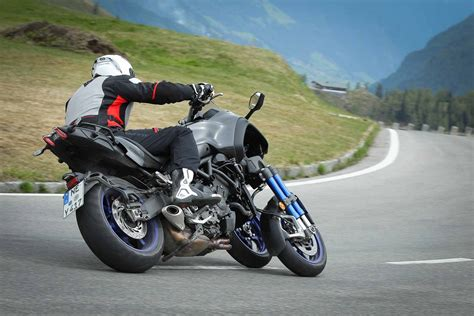 Review Yamaha Niken by Yamaha Niken 2018 On Review Speed Specs Prices Mcn