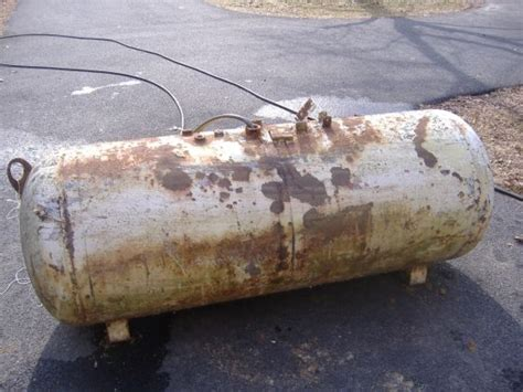 Boat Grill Propane Tank by Turning A Propane Tank Into A Bbq Smoker Bbq Smokers And