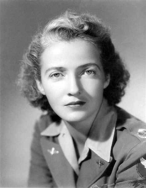 Nancy Harkness Love - Wikipedia