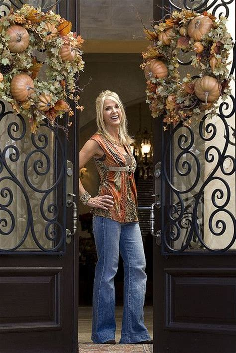 Donna Decorates Dallas Tacky by 17 Best Ideas About Donna Moss On Tuscan