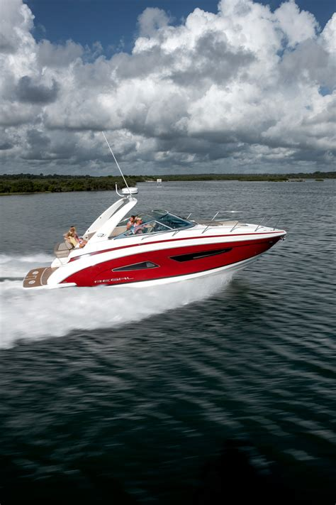 Xpress Boats Speed by 33 Express Regal Boats Overview