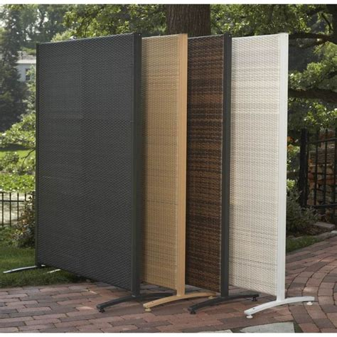 1000 ideas about outdoor privacy screens on