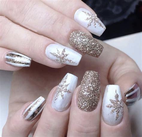 leading  light shade christmas snowflake coffin nails   chic cuties blog