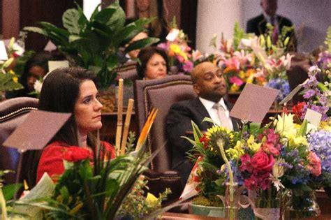 anitere flores  oscar braynon apologize appearing