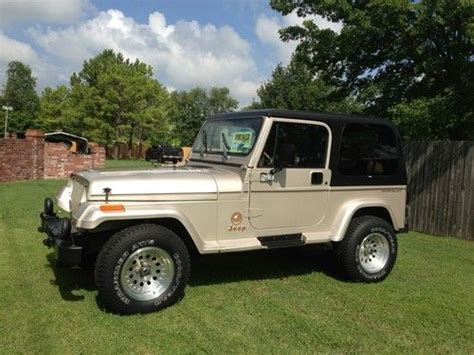 sahara jeep 2 door sell used 1995 jeep wrangler sahara sport utility 2 door 4