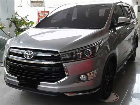 Toyota Venturer Wallpapers by Toyota Innova Crysta Touring Sport Launch In India Soon