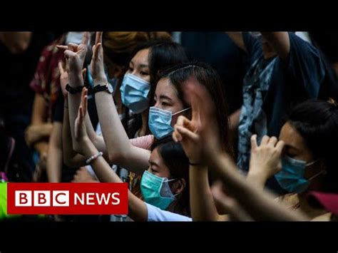 Hong Kong: UK makes citizenship offer to residents – BBC ...