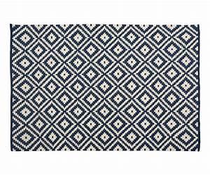 Tapis Bleu Nuit : tapis bleu marine id es de d coration int rieure ~ Teatrodelosmanantiales.com Idées de Décoration