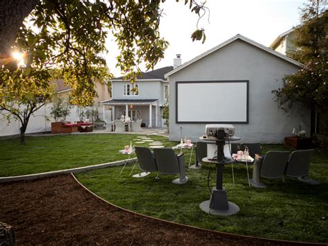 Backyard Theater Screen by How To Host On A Big Screen Diy Network