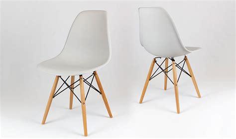 chaise eames grise chaise contemporaine gris clair inspire de charles eames