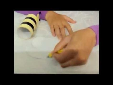 travaux manuels fabriquer une abeille avec un rouleau de papier toilette enfants أعمال يدوية