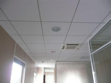faux plafond bureau faux plafonds suspendus pour vos bureaux professionnels