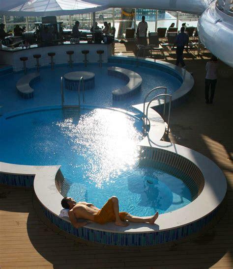 go big for disney travel reasons why disney luxury is so worth it skimbaco lifestyle