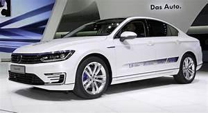 Volkswagen Passat Gte : vw passat gte priced from 44 250 in germany ~ Medecine-chirurgie-esthetiques.com Avis de Voitures