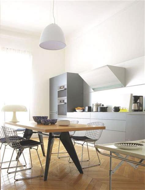 sur la cuisine une cuisine ouverte design dans un appartement