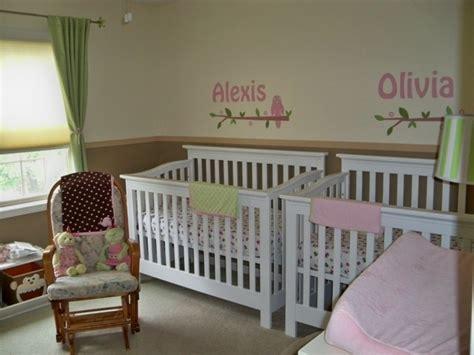 chambre de petit gar輟n idées de déco chambre adulte et bébé