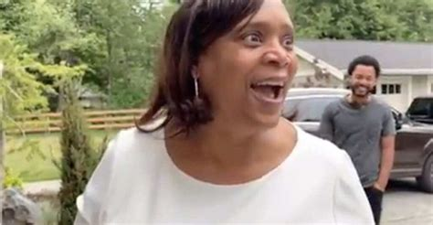 russell wilson surprises  mom   brand  home