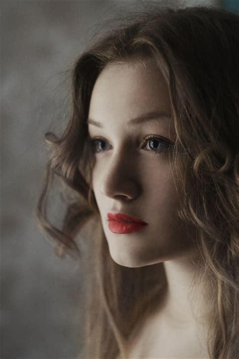 Woman Brunette Portrait · Free Photo On Pixabay