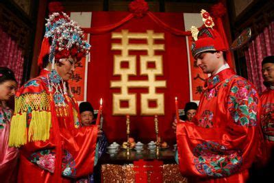 christian wedding traditions    symbolize