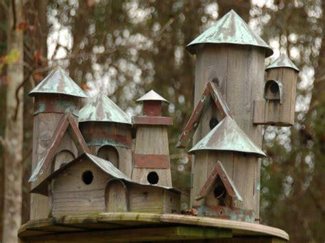 Amazing outdoor kitchens, beautiful bird houses decorative