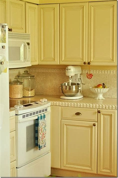 yellow kitchen cabinet best 25 pale yellow kitchens ideas on yellow 1213