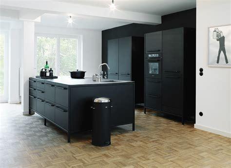Küche In Schwarz by Ideen F 252 R Eine Schwarze K 252 Che Planungswelten