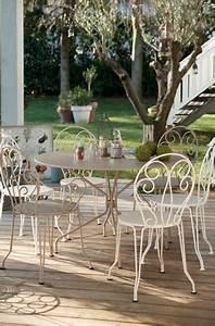 Salon De Jardin Fer Forgé Occasion : mobilier de jardin en fer prix salon de jardin ~ Teatrodelosmanantiales.com Idées de Décoration