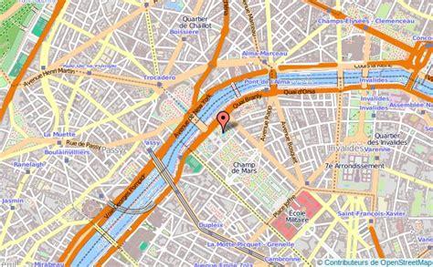 bar de cuisine but tour eiffel tourisme site et monument historiques