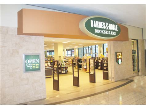 Barnes And Noble Norwalk Ct by Barnes And Noble May Hundreds Of Stores Report
