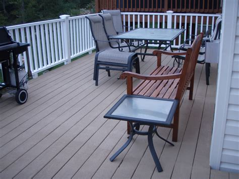 findingwinter page 6 traditional outdoor deck with